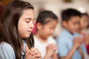 How-to-Teach-a-Child-to-Pray1-400x266